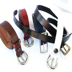 ceinture fine en cuir véritable.